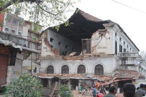 Deadly earthquake: Death toll climbs to 2152: PIX- HIMALKHABAR