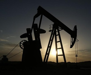 Oil prices edge up amid fall in Saudi exports to US