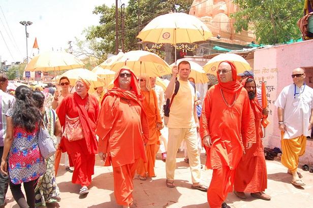 Foriegn tourist at Ujjain Kumbh