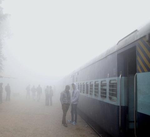 बाढ़ के कारण बिहार से गुजरने वाली ये ट्रेनें 27 अगस्त तक हुई रद