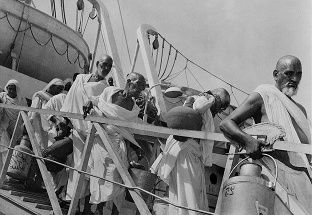 pilgrims_disembarking FROM INDIA