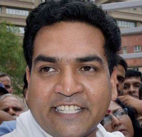 Kapil Mishra charges: Kumar Vishvas comes out to defend Kejriwal