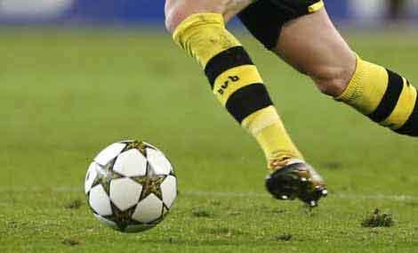 football-kicking