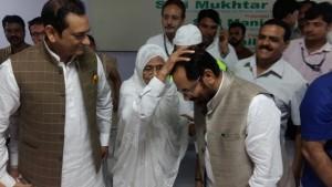 Naqvi flags off 1st batch of 300 Haj pilgrims from Mumbai Airport