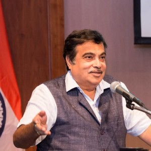 24 cos offer to invest over Rs. 60,000 cr in SEZ adjoining JNPT: Gadkari