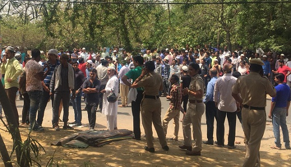 'Friday namaz' disrupted at 10 places in Gurugram by Hindutva groups