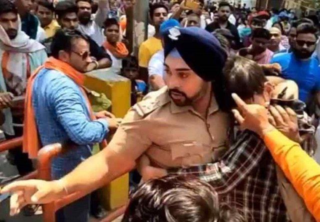 brave Sikh officer