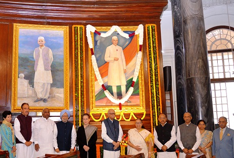 Parliamentarians Pay Tributes to Pandit Jawaharlal Nehru