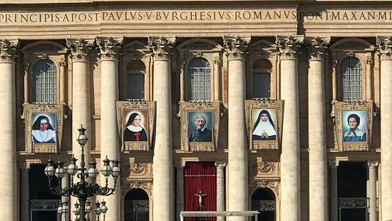 Indian nun Mariam Thresia, four others declared Saints