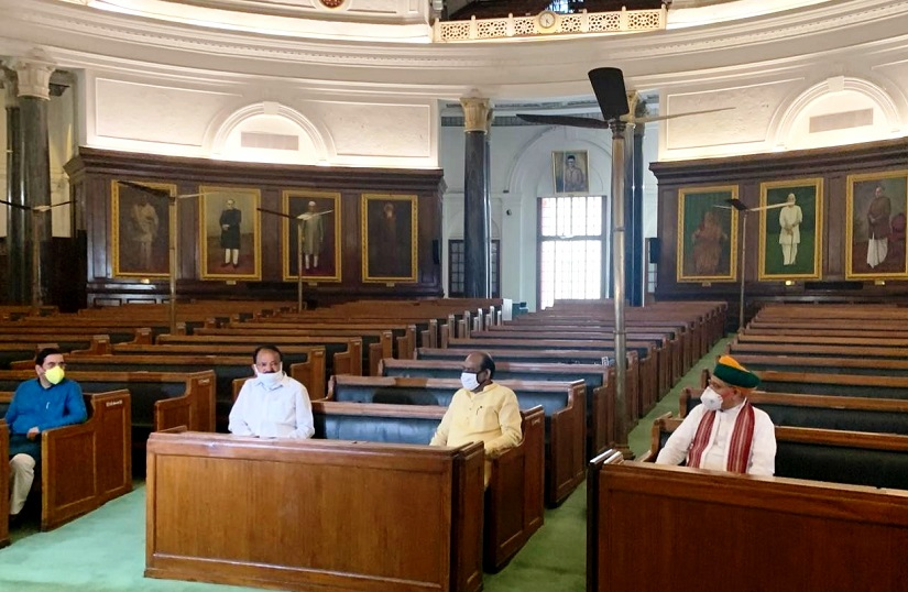 Vice President, Lok Sabha Speaker recall memories of First Sittings of Parliament of India