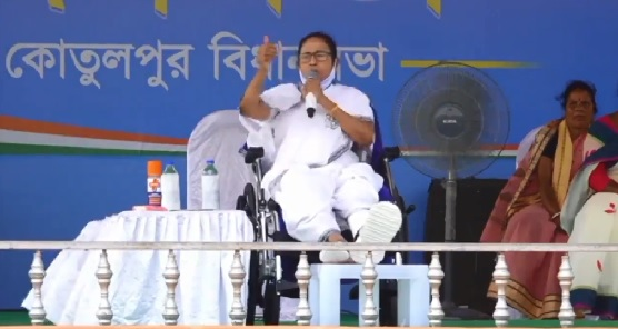 EC Imposes 24-Hr Campaign Ban on Mamata, CM Announces Dharna